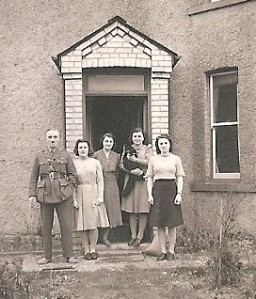 The girls with their parents, Reg and Ida Matthews