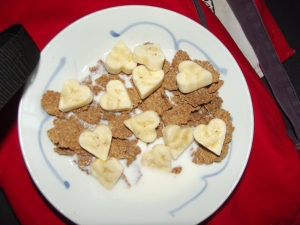 Bran flakes with banana hearts... so soppy and so healthy!